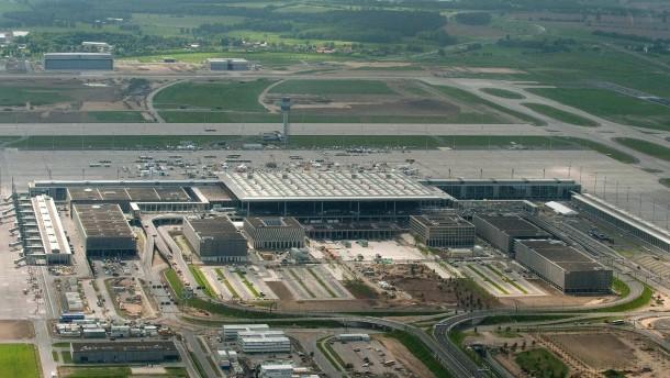 Rechnungshof wirft Bund zu lasche Kontrollen beim Flughafen vor