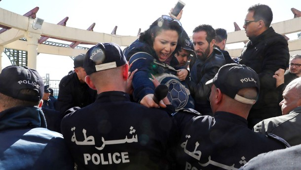 Dutzende Journalisten in Algerien festgenommen