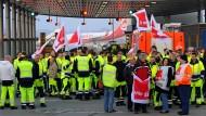Warnstreiks im öffentlichen Dienst haben an den großen deutschen Flughäfen (wie hier in Hannover) zu erheblichen Beeinträchtigungen im Flugverkehr geführt.