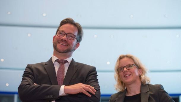 Selbstzerfleischung und Heckenschützentum in Bayern-SPD