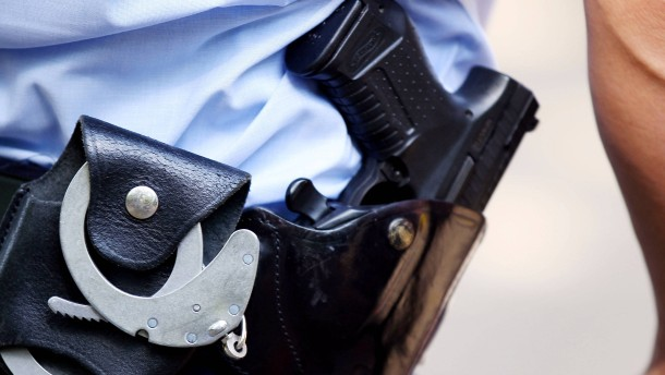 Fixierter Mann in Polizeigewahrsam gestorben
