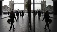 Bald nicht mehr auf dem Boden der EU? Flanieren vor der Tower Bridge