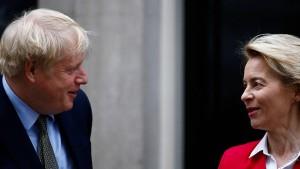 Boris Johnson und Ursula von der Leyen wollen reden