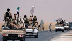 Vereinigte Staaten greifen regierungstreue Truppen in Syrien an