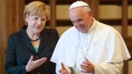 Bei der 45-minütigen Privataudienz sprachen Merkel und der Papst über Europa und die Finanzkrise