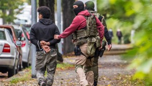 Polizei warnt Bevölkerung vor flüchtigem Terrorverdächtigen