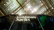 Der Blick geht aufwärts bei Goldman Sachs. Die Quartalszahlen zeigen nach oben. Der neue Chef ist kein Unbekannter. Die Börse goutiert's.
