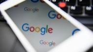 Was steckt im Internet? Oft ist das Google.
