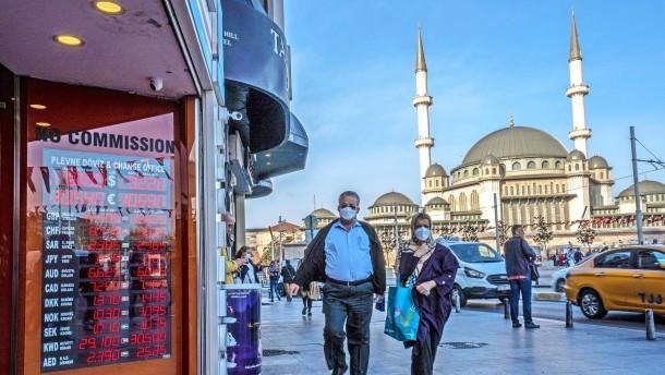 Türkische Lira fällt weiter