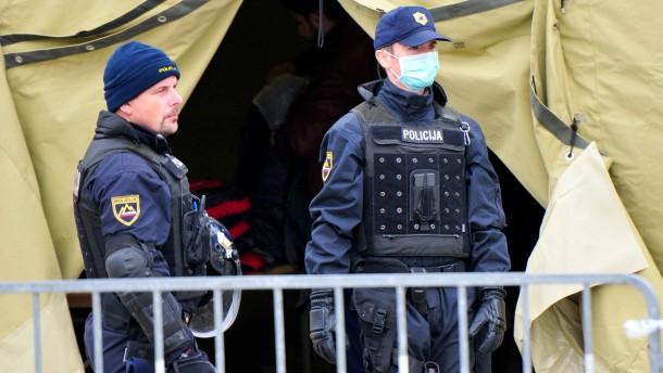 Kroatien lässt 3000 Flüchtlinge aus Serbien ein