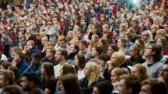 Großer Andrang – aber werden diese Erstsemester auch ausreichend auf den Arbeitsalltag vorbereitet?