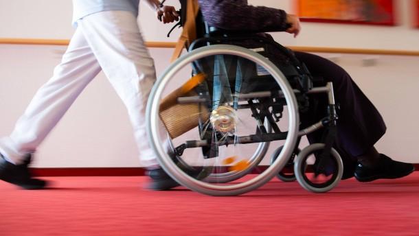 Pflegeheimmitarbeiterin verweigert Coronatest – und wird gekündigt