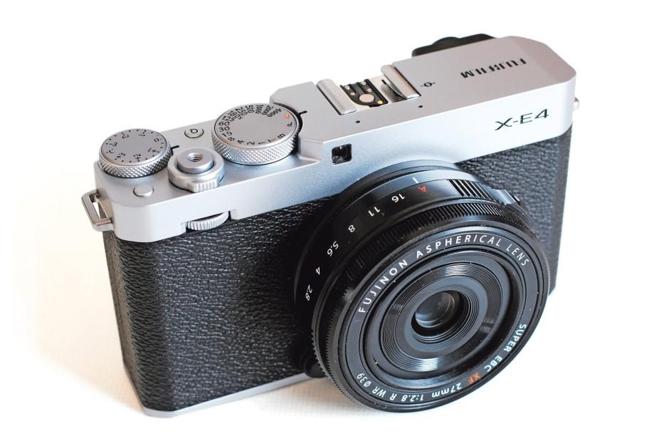 Kompakter Begleiter für den Schnappschuss zwischendurch: Fujifilm X-E4