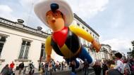 Lucky Luke schwebt durch Brüssel