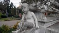 Imposant: Grabfigur auf dem Alten Friedhof in Darmstadt