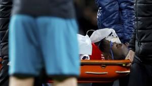 Schwere Verletzung überschattet Remis von Manchester United
