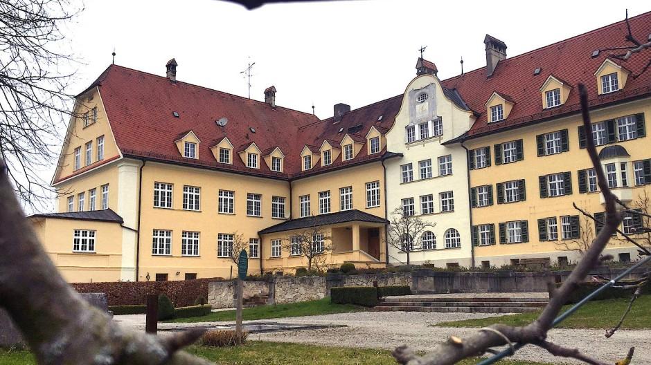 Das ehemalige katholische Piusheim in Baiern bei München