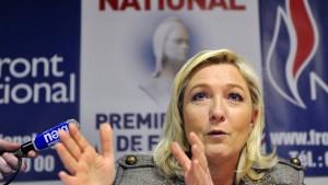 Schulz' Betrugsverdacht bringt Le Pen in Rage