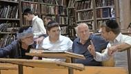 Sucht Antworten: Daniel Cohn-Bendit (Mitte)