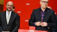 Hoffnungsträger mit immer weniger Hoffnung: Martin Schulz und Torsten Albig am Montag in Berlin