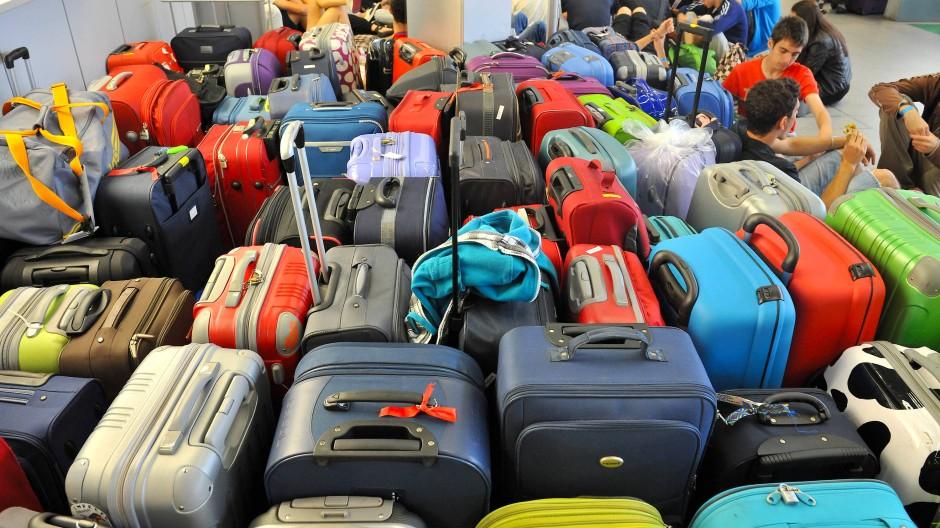 Bitte aufpassen: Gepäck am Flughafen Tegel