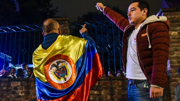 Kolumbianer lehnen Friedensabkommen ab