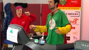 Brite läuft eine Woche auf dem Laufband und bricht Weltrekord
