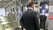 Das neue Grenzkontrollsystem Easy Pass im Einsatz am Frankfurter Flughafen