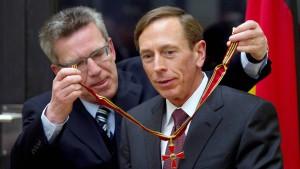 Bundesverdienstkreuz für CIA-Chef Petraeus