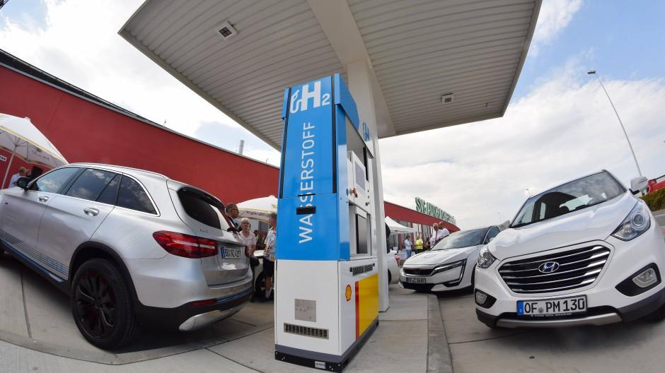 Auch in Baden-Württemberg treibt man die Brennstoffzellen-Autos voran. Diese Tankstelle steht aber in Kassel in Hessen.