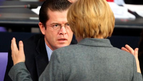 Merkel empfing Guttenberg im Kanzleramt