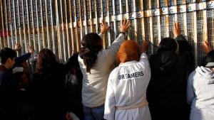 Richter hebt Trumps Einreisestopp teils auf