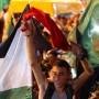 In Ramallah (Wetsjordanland) feiern die Palästinenser die Waffenruhe als einen Sieg über Israel