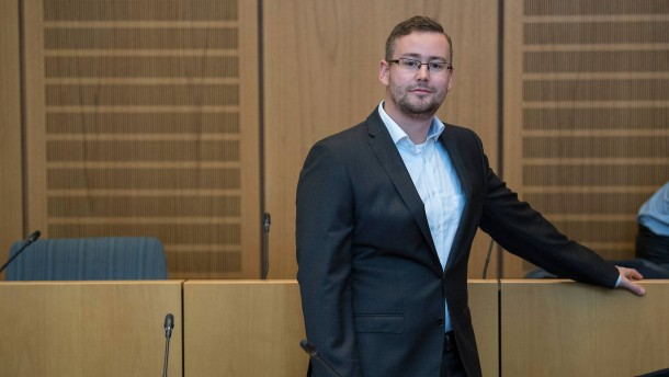 Bundestag hebt Immunität des AfD-Abgeordneten Münzenmaier auf