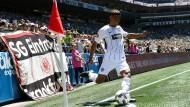 Schwungvoller Auftakt: Jonathan de Guzman bei seinem ersten Einsatz für die Eintracht, die sich nun endgültig seine Dienste gesichert hat.