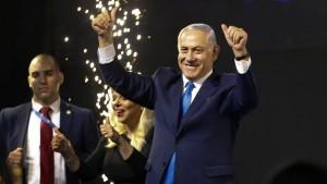 Netanjahu siegt, Gantz aber auch