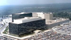 Schüsse vor der NSA-Zentrale