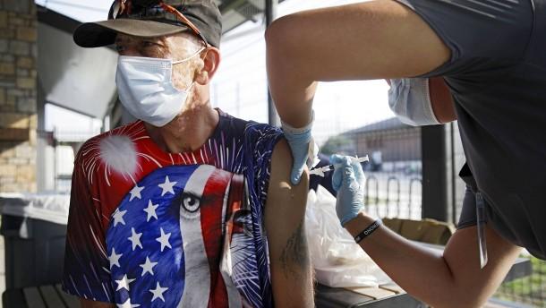 US-Gesundheitsbehörde warnt vor Hunderttausenden Covid-Neuinfektionen pro Tag