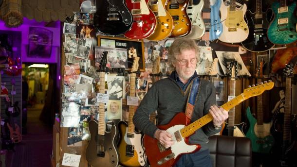 Leslie Link - Der Hanauer Gitarrist und Ladeninhaber spricht mit Sebastian Schilling über Rock Musik im Rhein-Main Gebiet früher und heute.