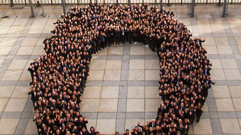 Rund 400 Beschäftigte des Bundesfinanzministeriums bilden die schwarze Null.