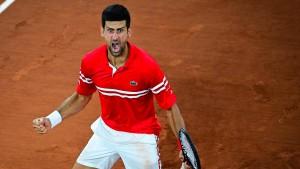 Djokovic trifft in Paris auf Nadal