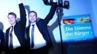 Nach einer Studie fällt ihr (Rechts-)Populismus bei den Deutschen in Europa noch auf den unfruchtbarsten Boden: AfD-Politiker Poggenburg, Höcke (v.l.)