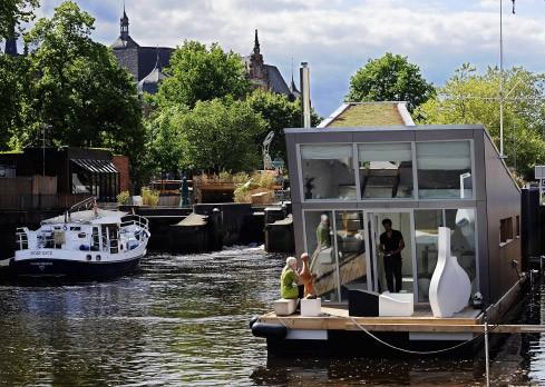 bildergalerie hausboot schwimmendes design bild 2 von 9 faz. Black Bedroom Furniture Sets. Home Design Ideas