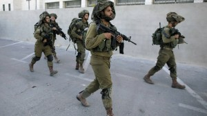 Soldaten erschießen vier Palästinenser bei Messerattacke