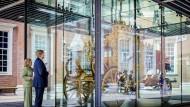 König Willem-Alexander im Juni 2021 vor der Goldenen Kutsche im Museum in Amsterdam