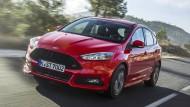 Köln dreht auf: Mit dem Zwei-Liter-Diesel im Focus ST bereitet der Ford seinem Fahrer eine Menge Fahrspaß.