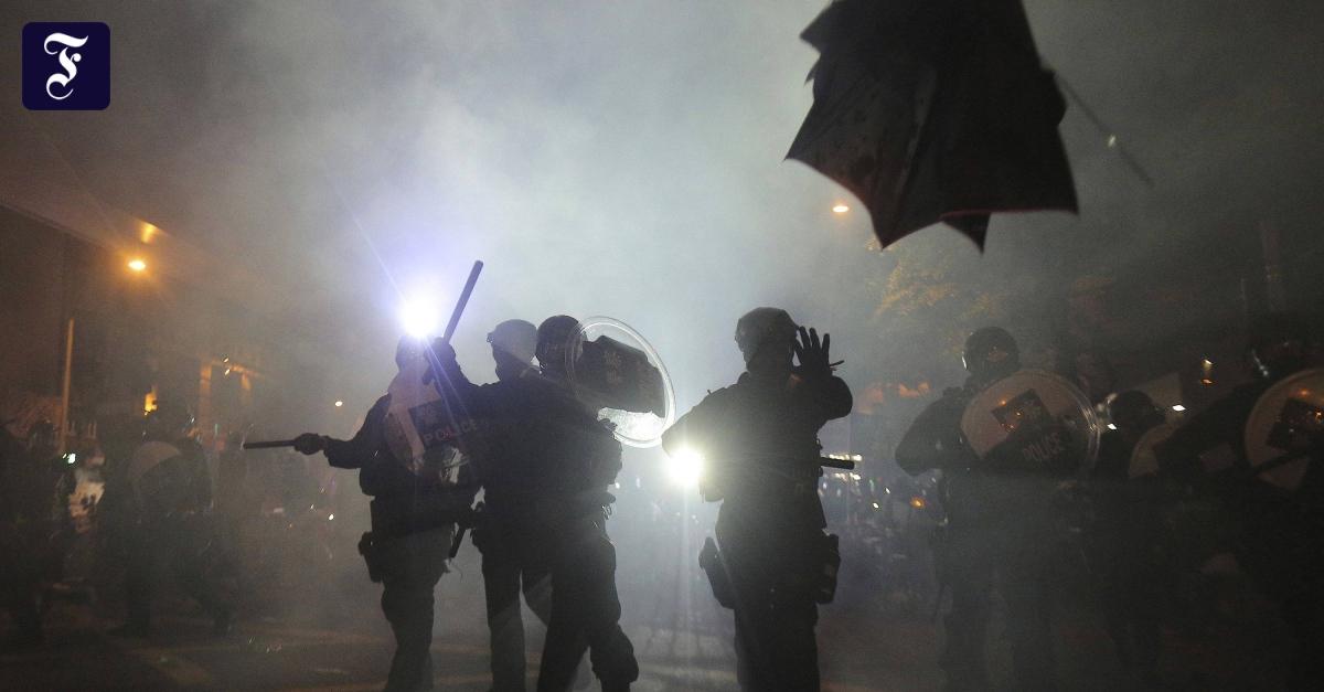Hongkong: Verletzte nach Attacke auf Demonstranten