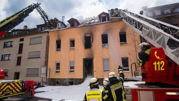 Familie nach Wohnhausbrand im Saarland vermisst