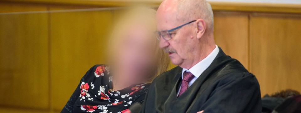 Die Klägerin in Saarbrücken im Landgericht