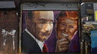Street Art im New Yorker Stadtteil Brooklyn: Die politische Wandmalerei des Künstlers Damien Mitchell ist mittlerweile zu einer Attraktion geworden.